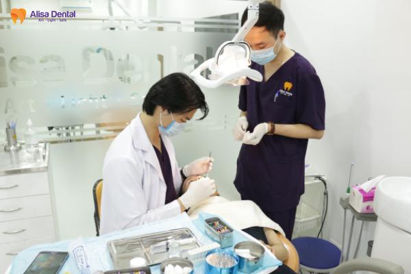 nhổ răng khôn mọc lệch 4