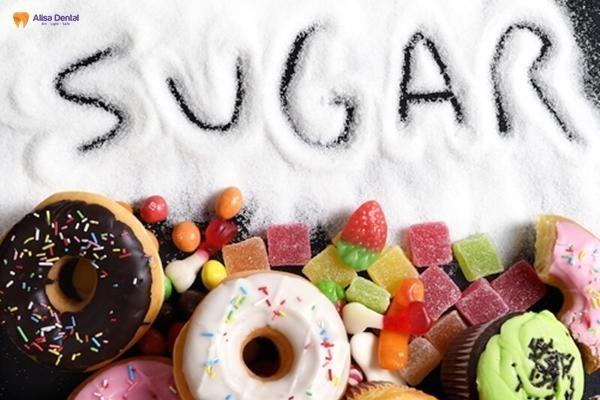 Hạn chế ăn thực phẩm quá dẻo sau khi lấy cao răng