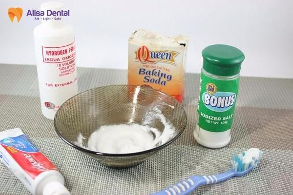 cách làm trắng răng bằng oxy già 2
