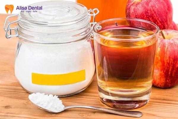 cách làm trắng răng bằng baking soda 3