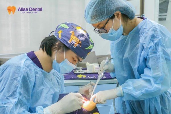 Răng implant tồn tại bao lâu 1