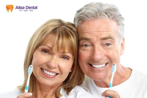 Cách chăm sóc răng sứ 3